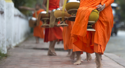 laos-rituel-takbat-moines